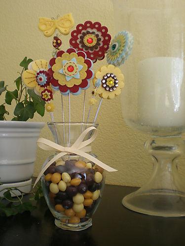 Aunt cindy candy vase